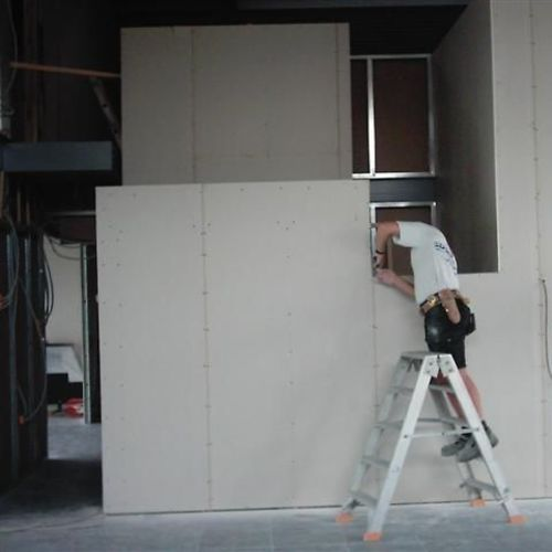 Droogbouw Descheemaeker - Realisaties - Gullegem- Inrichten gallerij