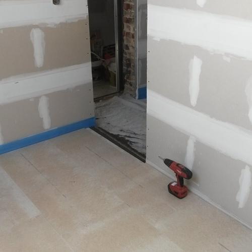 Droogbouw Descheemaeker - Realisaties - Pittem - Droogvloer en Quickstep